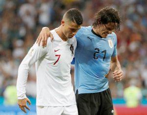 cavani và ronaldo trên sân đấu