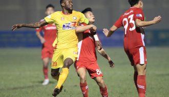 """CLB Nam Định thắng Thanh Hóa với tỉ số 3 - 0 trong ngày khán đài """"không một bóng người"""""""