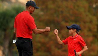 Tiger và Charlie Woods xứng danh hổ phụ sinh hổ tử trong thế giới golf